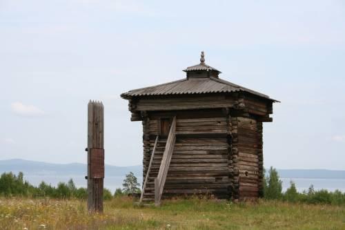 Башня второго (или третьего?) Братского острога